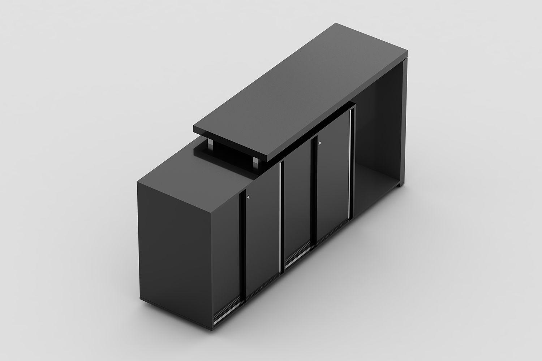 Armário médio duplo com 4 portas de correr e nicho com pé painel para frigobar